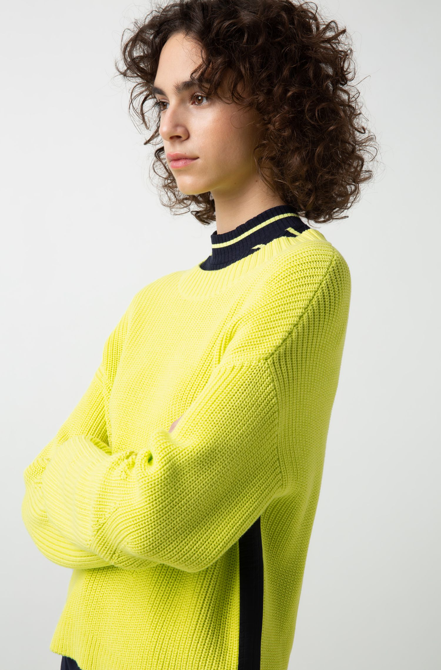 Relaxed-fit cropped sweater with contrast side-seam tape, Yellow