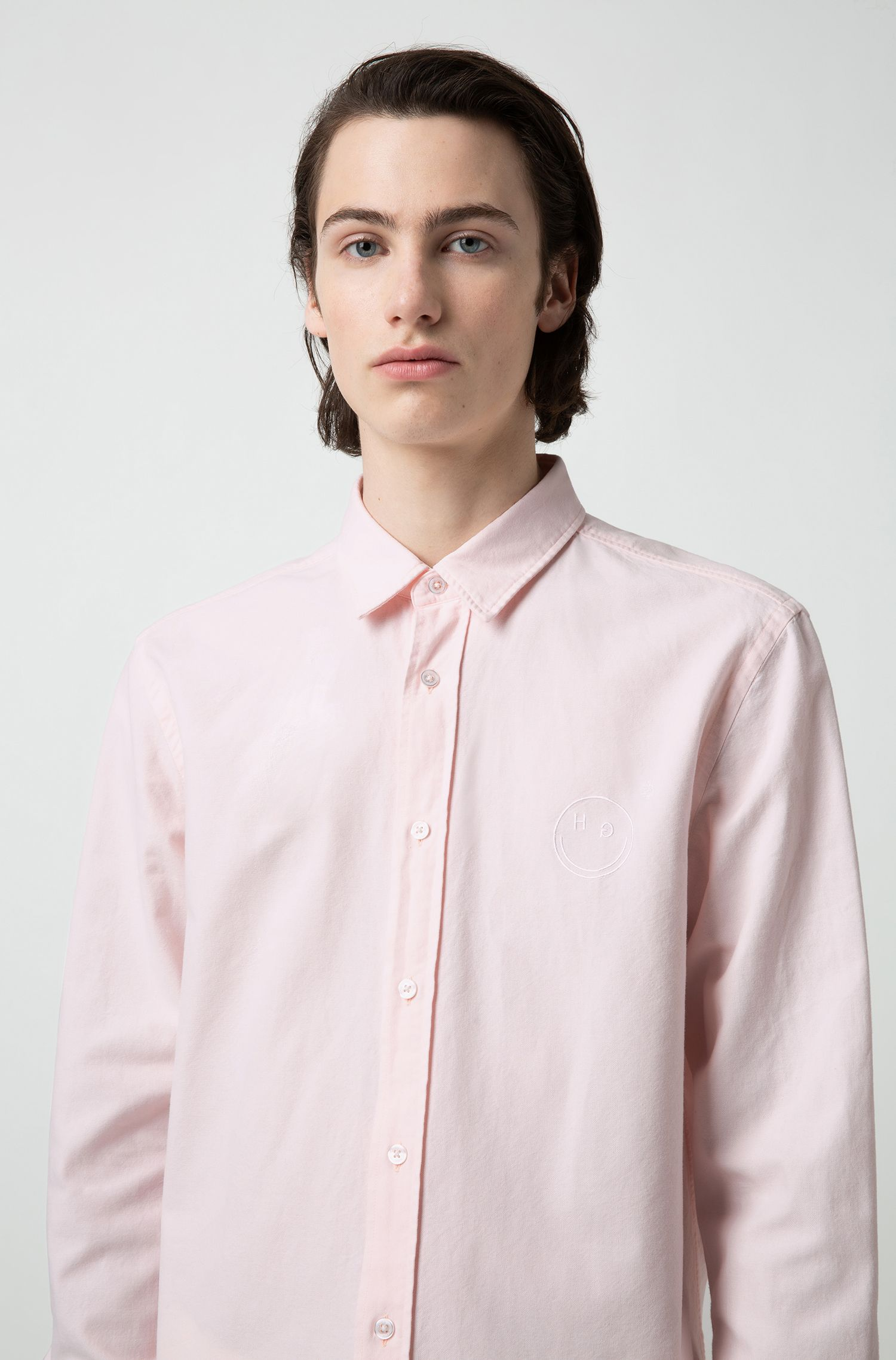 Relaxed-fit Oxford shirt with smiley-face embroidery, Open Pink