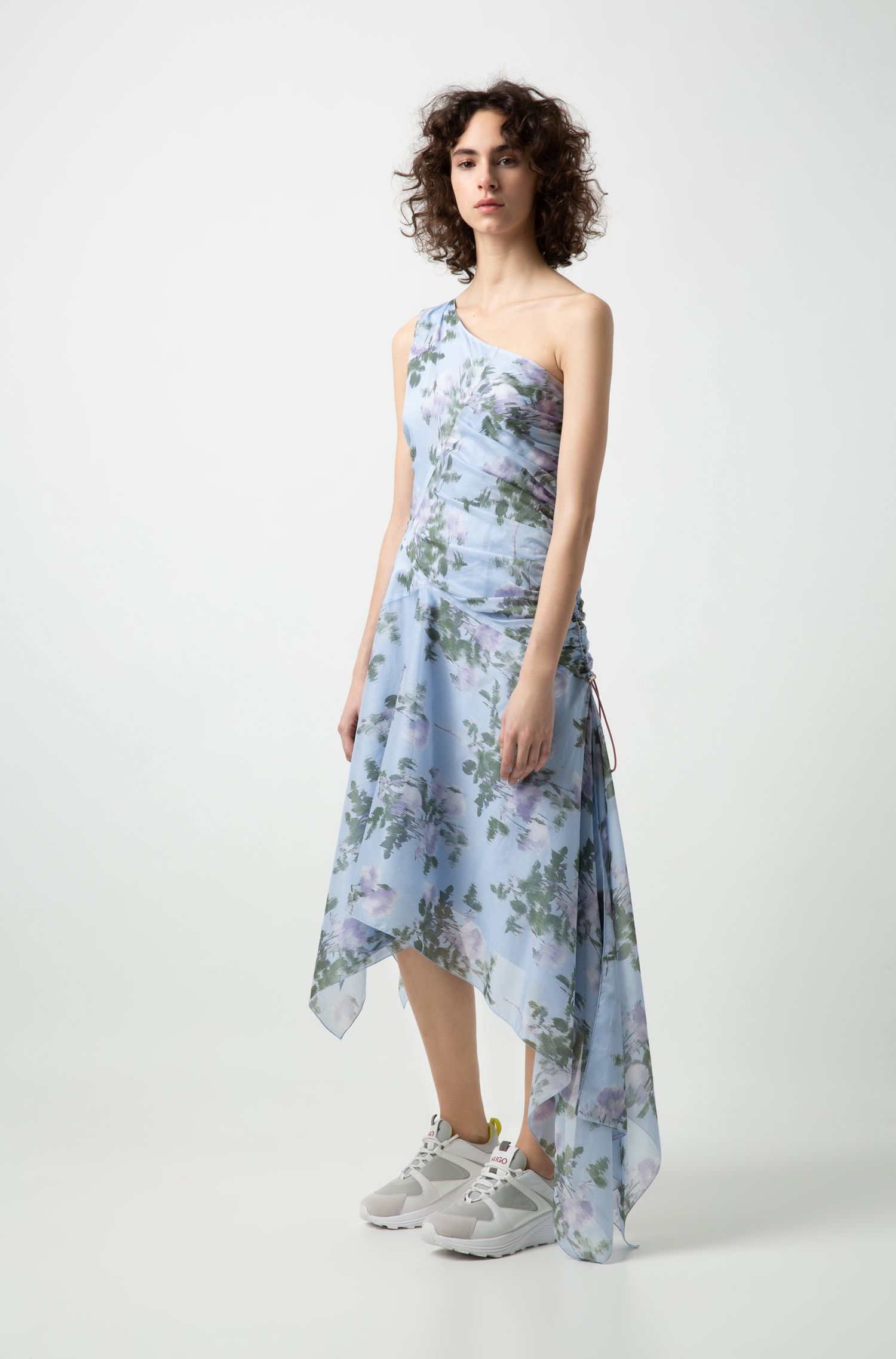 Slim-fit one-shoulder dress with asymmetric hem, Patterned