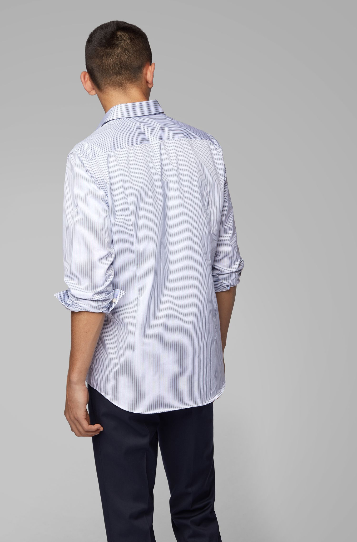 Slim-fit shirt in Italian cotton with hidden contrasts, Light Blue