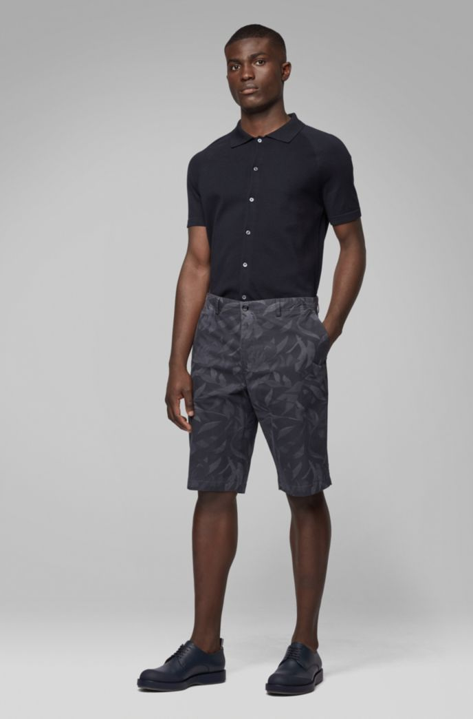 Lightweight shorts in camouflage-printed paper-touch stretch cotton