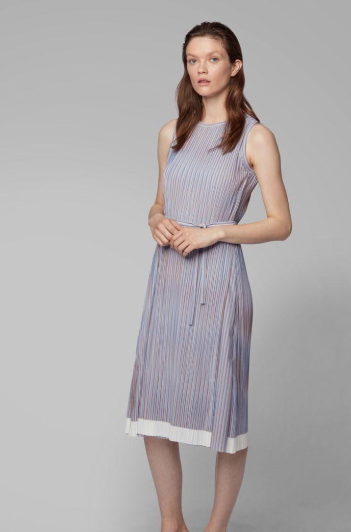 Belted plissé dress with color-block hem