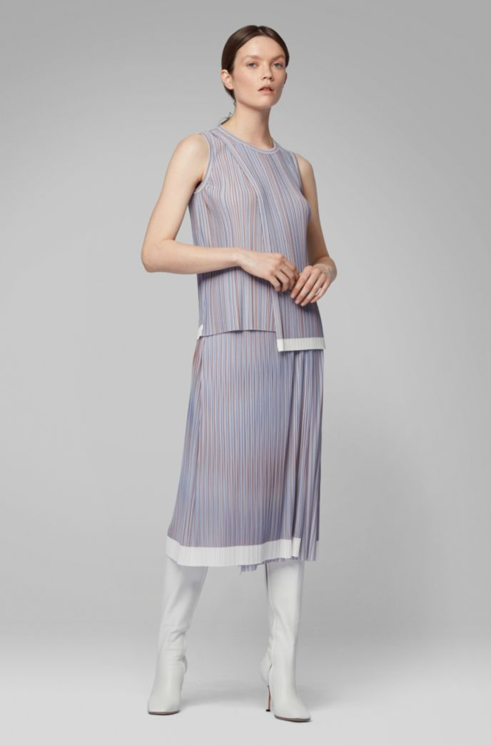 A-line skirt with plissé pleats and color-block hem