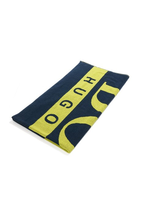 Beach towel in cotton terry with large-scale logo, Dark Blue