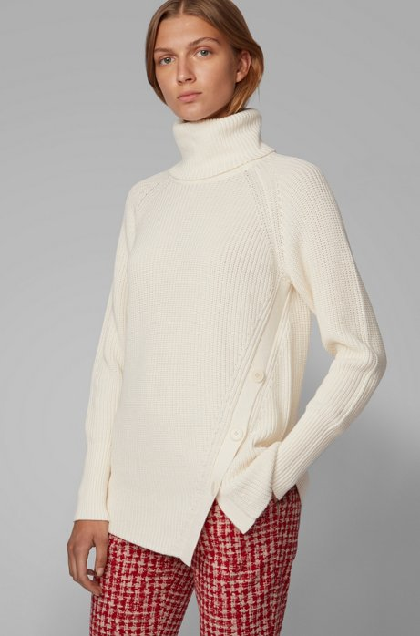 Asymmetric-front buttoned sweater in cotton with cashmere, Natural
