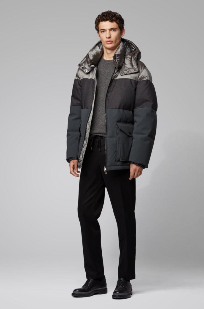 Water-repellent down jacket with detachable hood