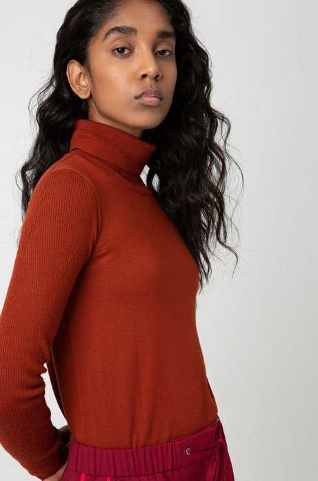 Regular-fit sweater in cashmere-touch merino, Brown