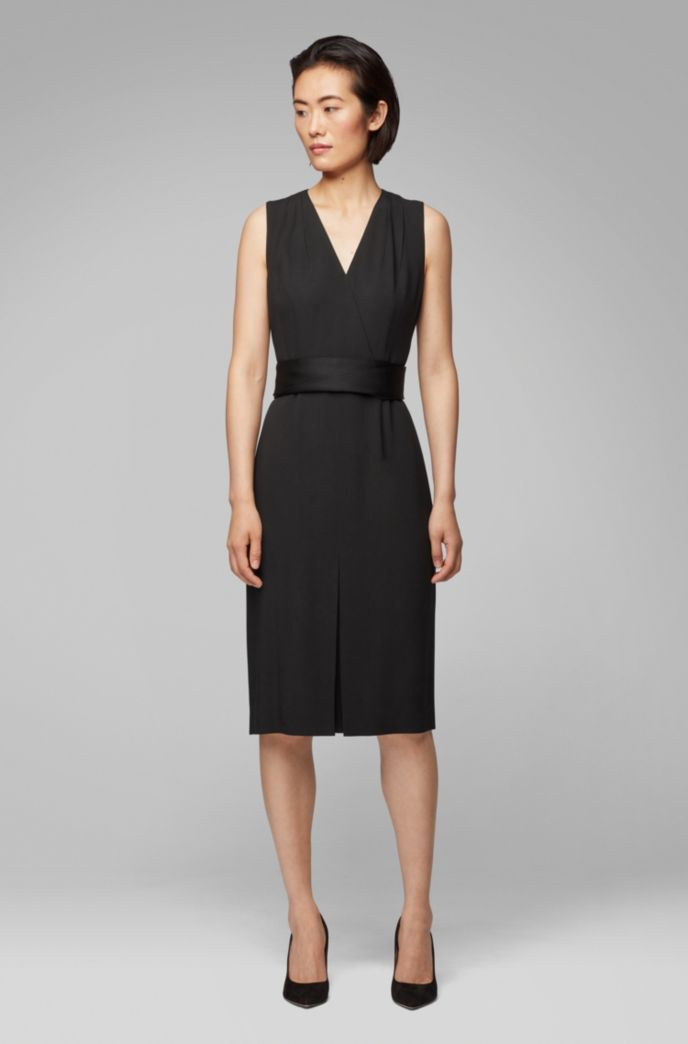 Sleeveless dress in Italian crepe with pleated V neck