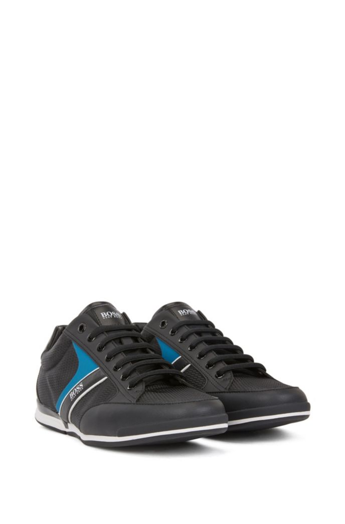 Low-top sneakers with bamboo-charcoal lining