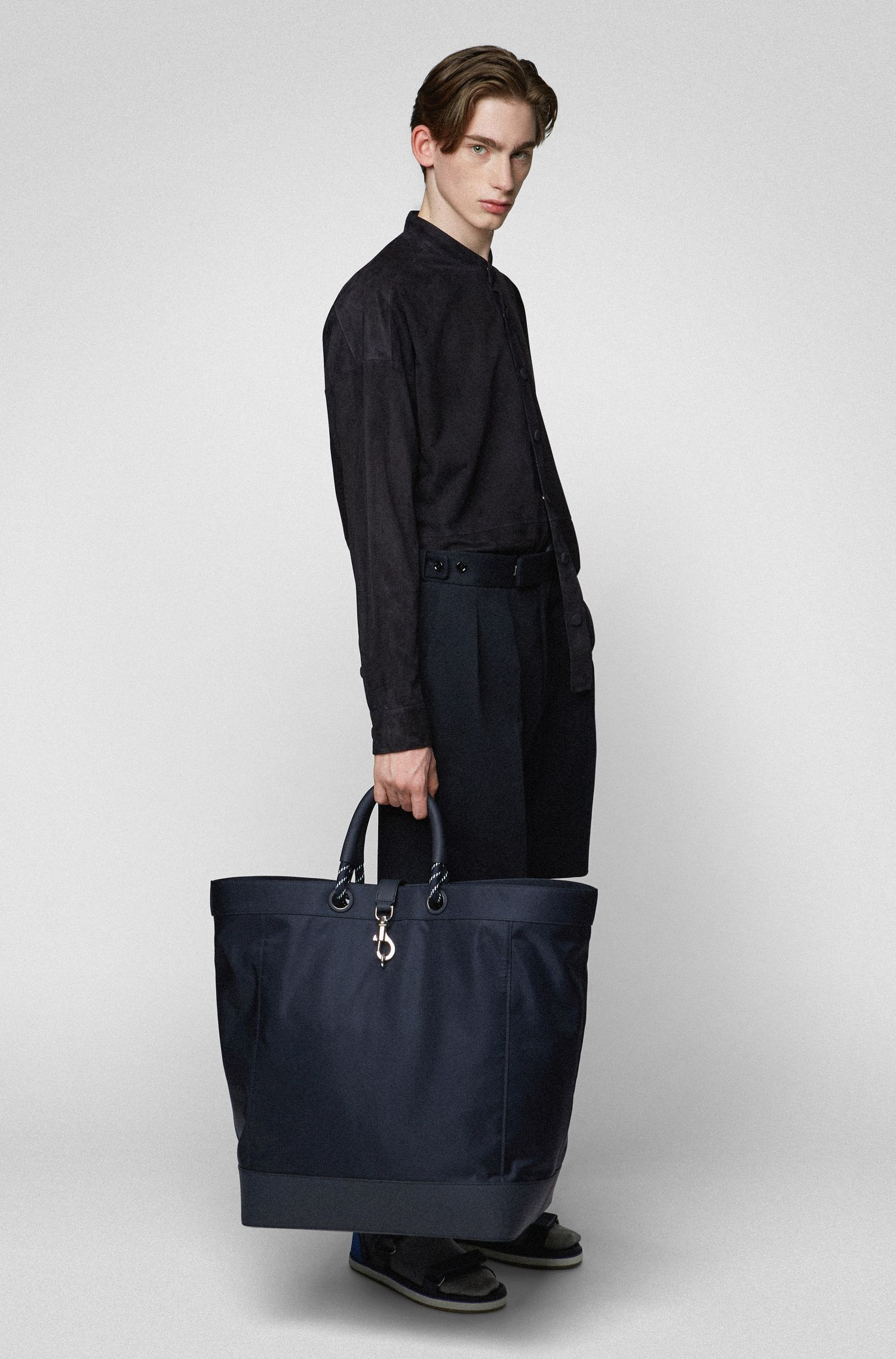 Tote bag with trigger-hook closure, Dark Blue
