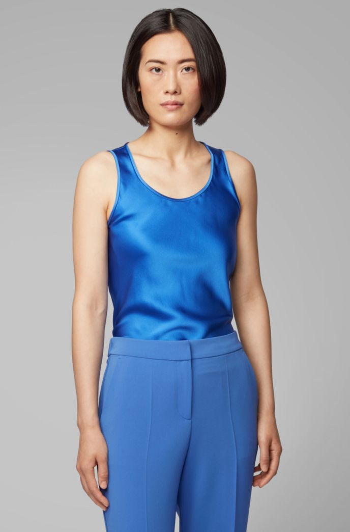 Scoop-neck sleeveless top in stretch silk
