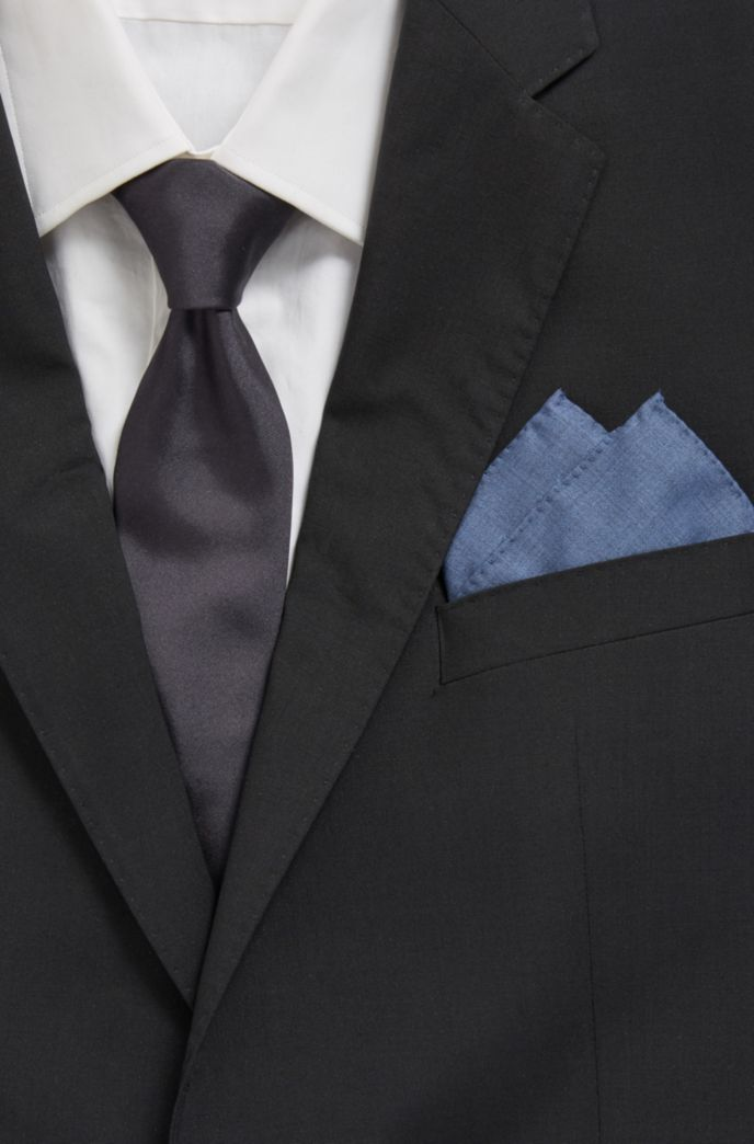 Pocket square in traceable Merino wool