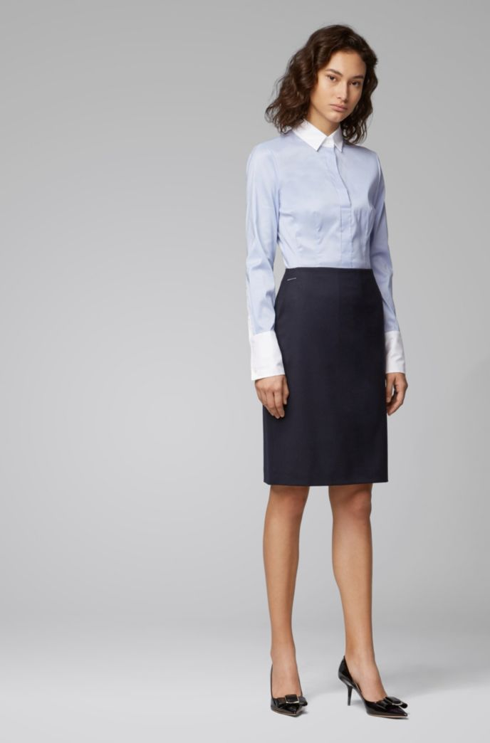 Slim-fit blouse with contrast collar and cuffs