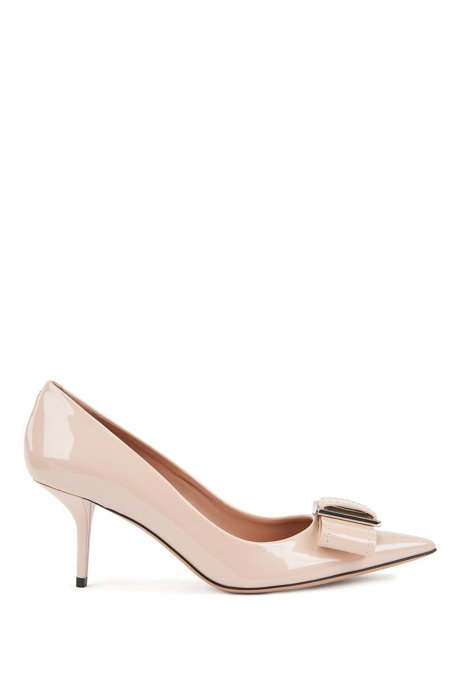 Heeled pumps in patent Italian leather with bow embellishment, Light Beige
