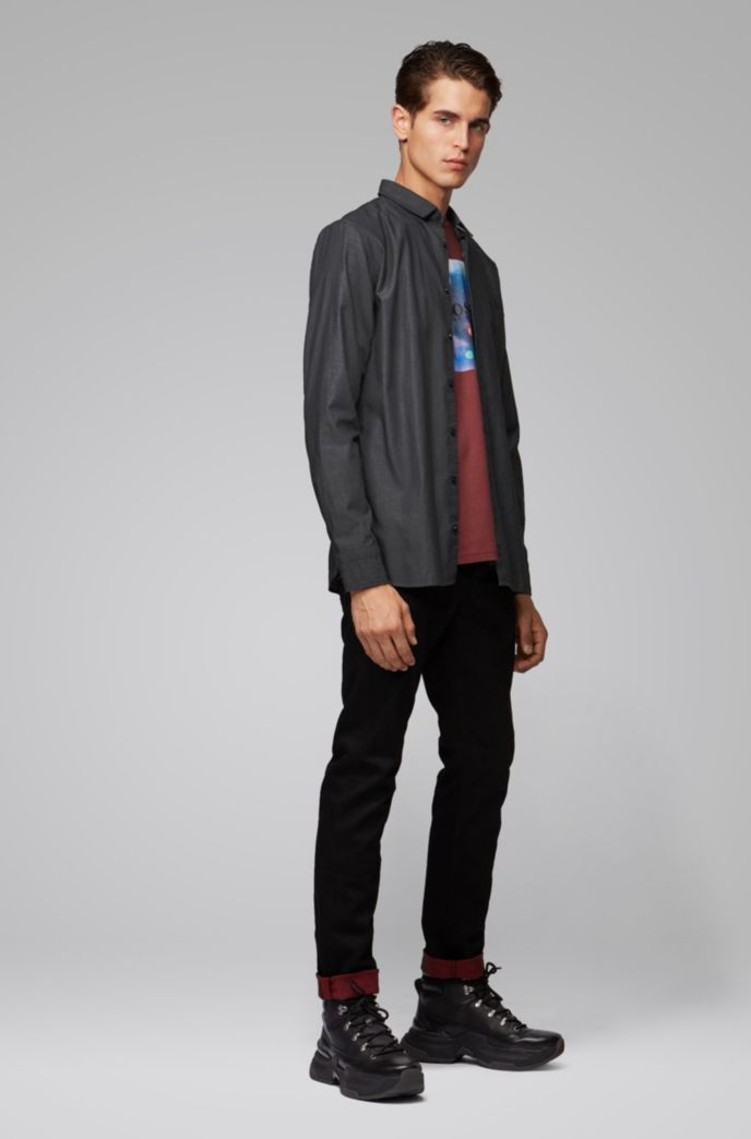 Slim-fit shirt in cotton with rounded cuffs