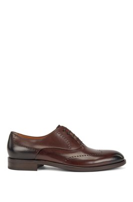 Leather Oxford shoes with modern broguing, Dark Brown