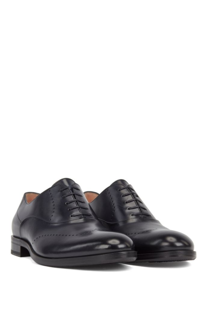 Leather Oxford shoes with modern broguing