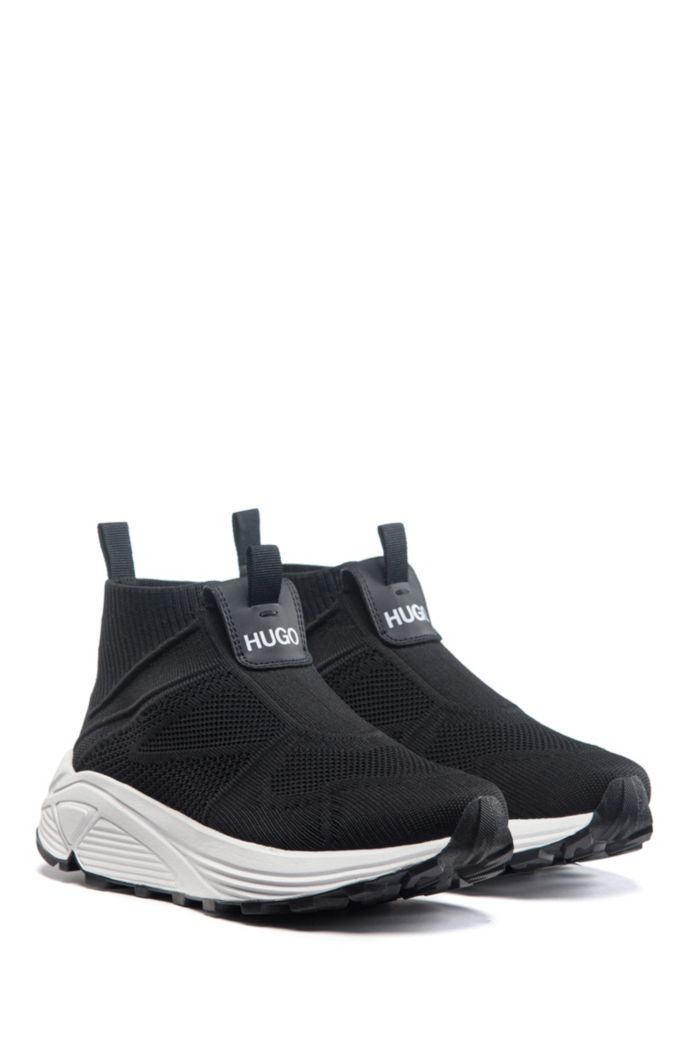 Running-style sneakers with knitted upper and Vibram sole