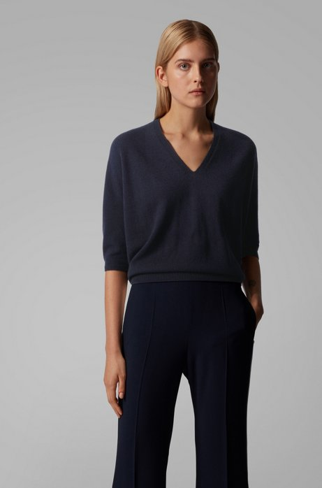 Relaxed-fit V-neck sweater in pure cashmere, Open Blue