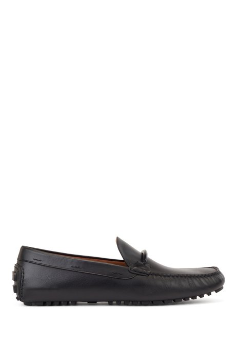 Driver-sole moccasins in leather with colored-metal hardware, Black