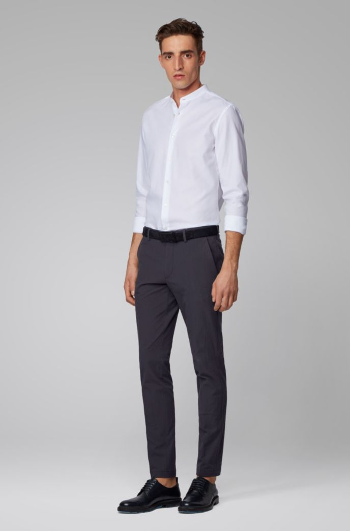 Slim-fit chinos with a tapered leg