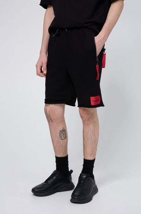 Raw-hem shorts with detachable collection key ring, Black