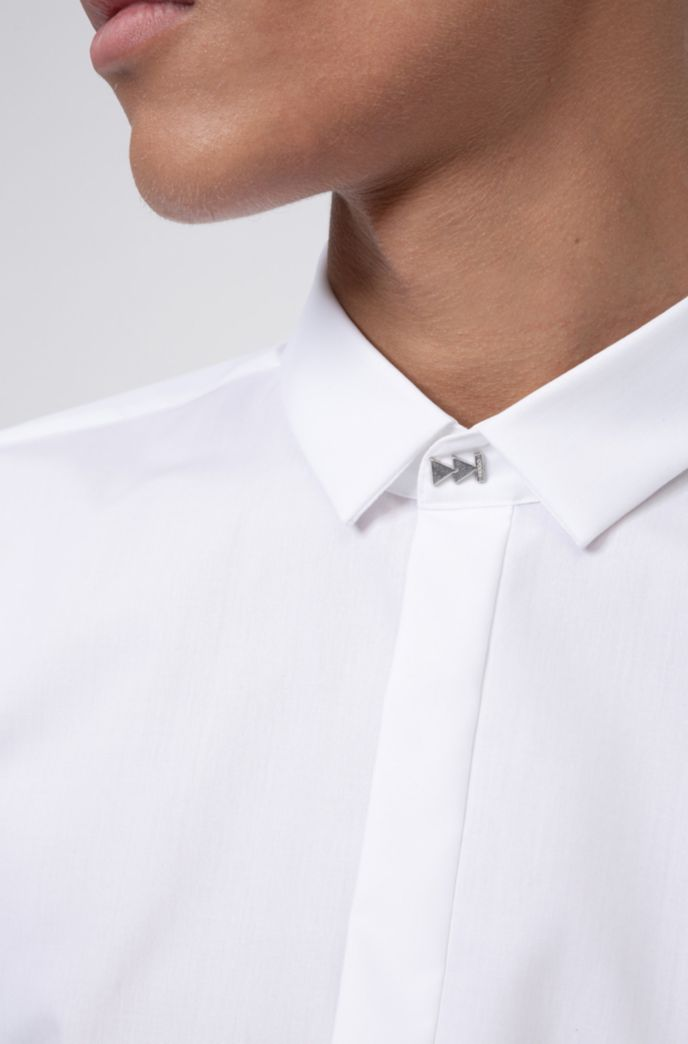 Extra-slim-fit easy-iron shirt with feature closure