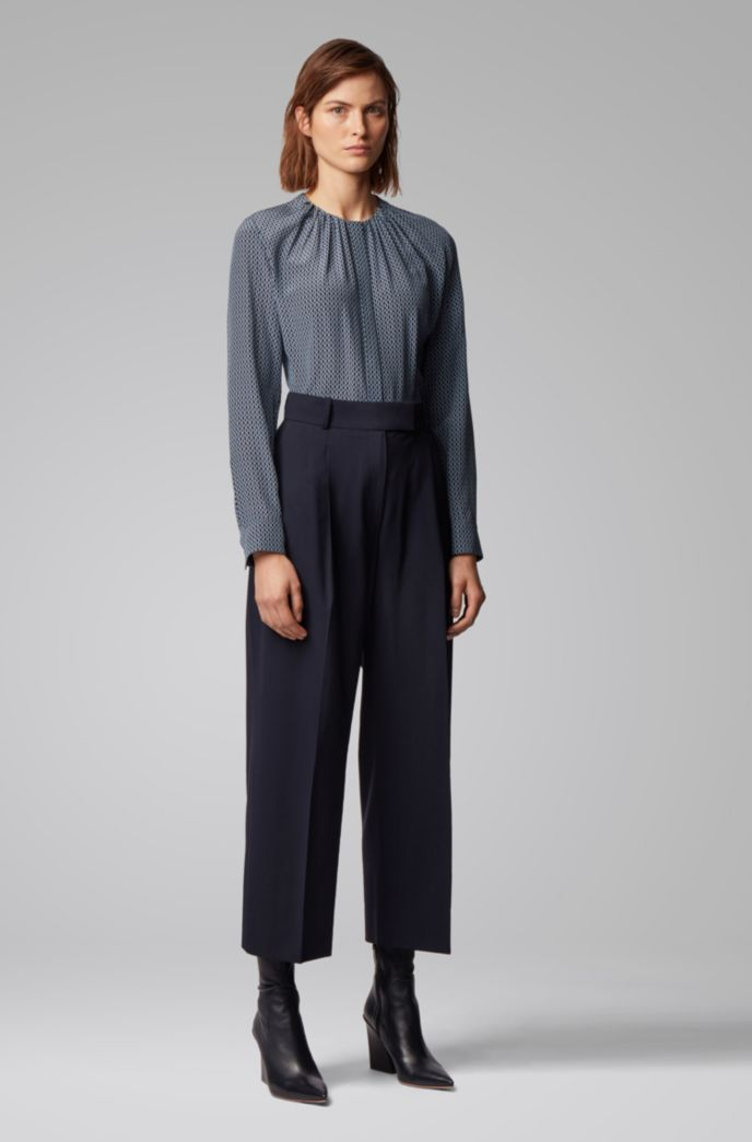 Relaxed-fit cropped pants in traceable wool with stretch