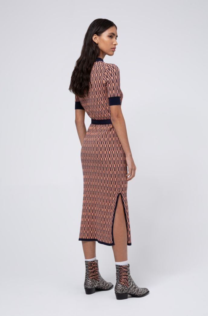 Slim-fit knitted dress with all-over pattern