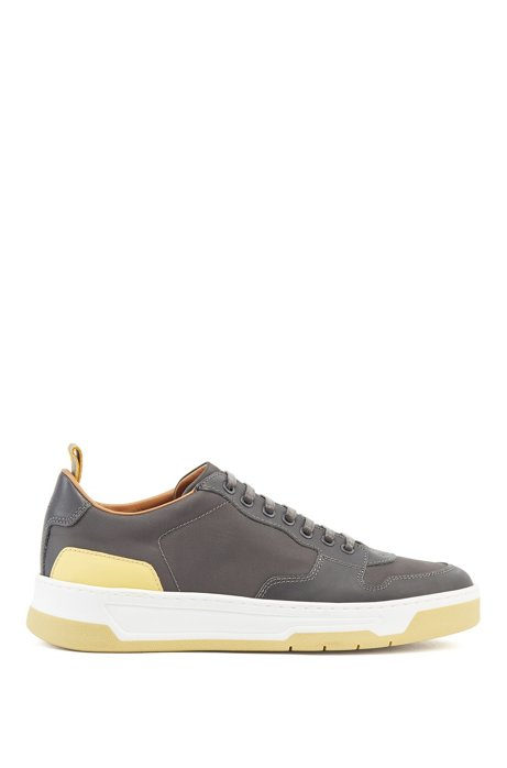 Low-top sneakers with coordinating heel and sole, Dark Grey