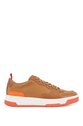 Low-top sneakers with coordinating heel and sole, Light Brown