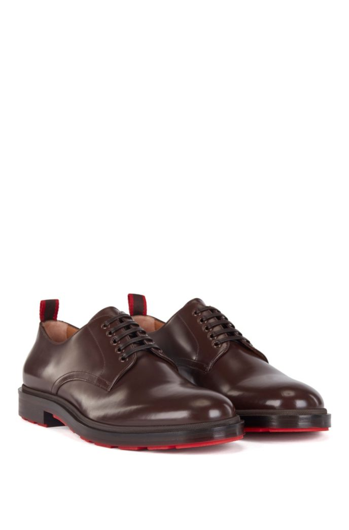 Derby shoes in calf leather with contrast outsole base