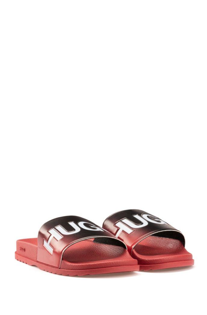 Dégradé-effect slides in rubber with logo details