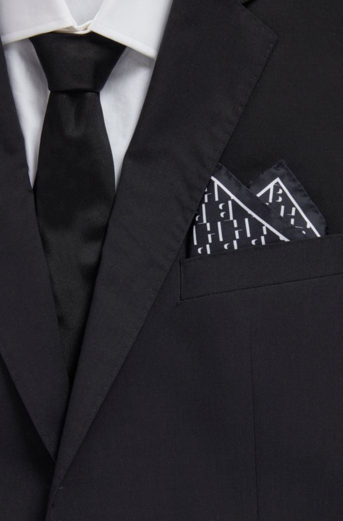 Patterned pocket square in pure silk