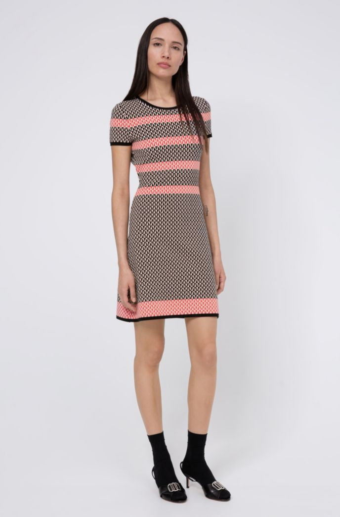 Short-sleeved dress with geometric jacquard knit