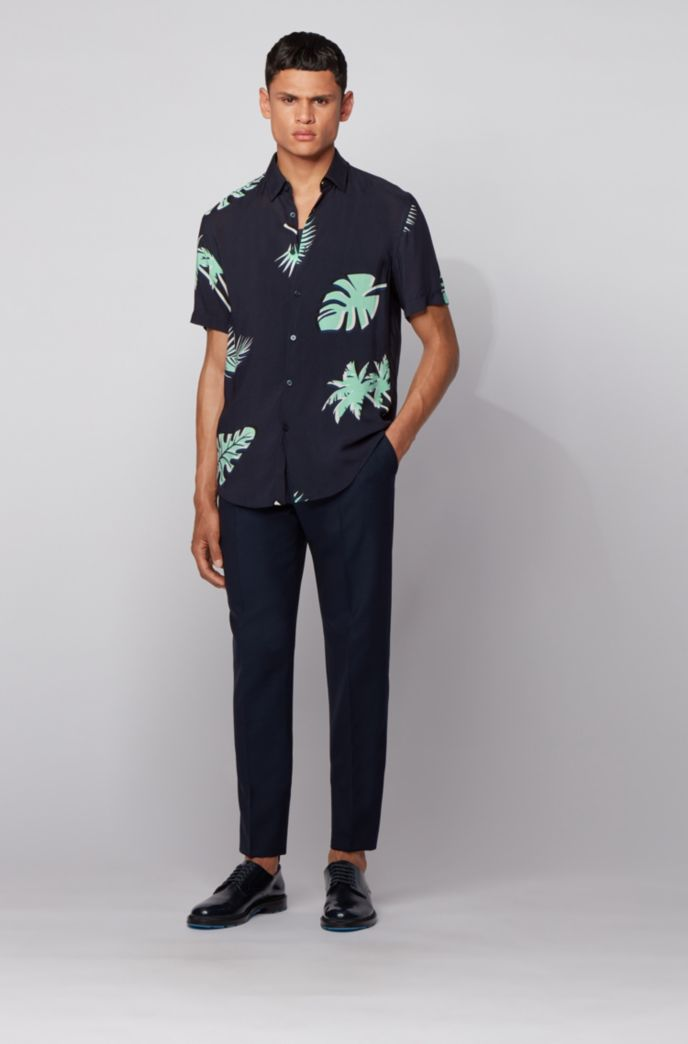 Short-sleeved slim-fit shirt with palm-leaf print