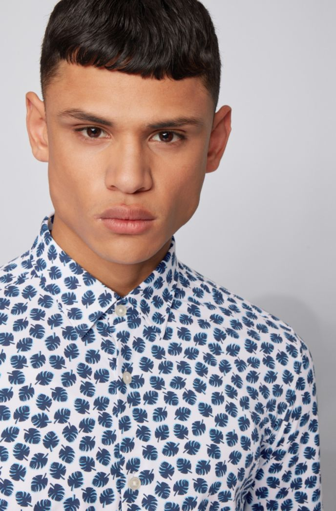 Printed slim-fit shirt in performance-stretch fabric