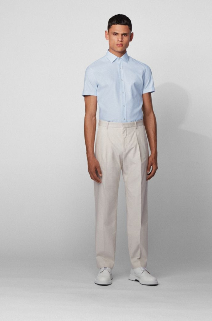 Short-sleeved slim-fit shirt in micro-structured cotton