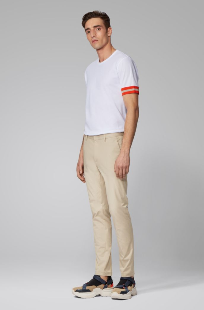 Slim-fit chinos in bi-stretch cotton