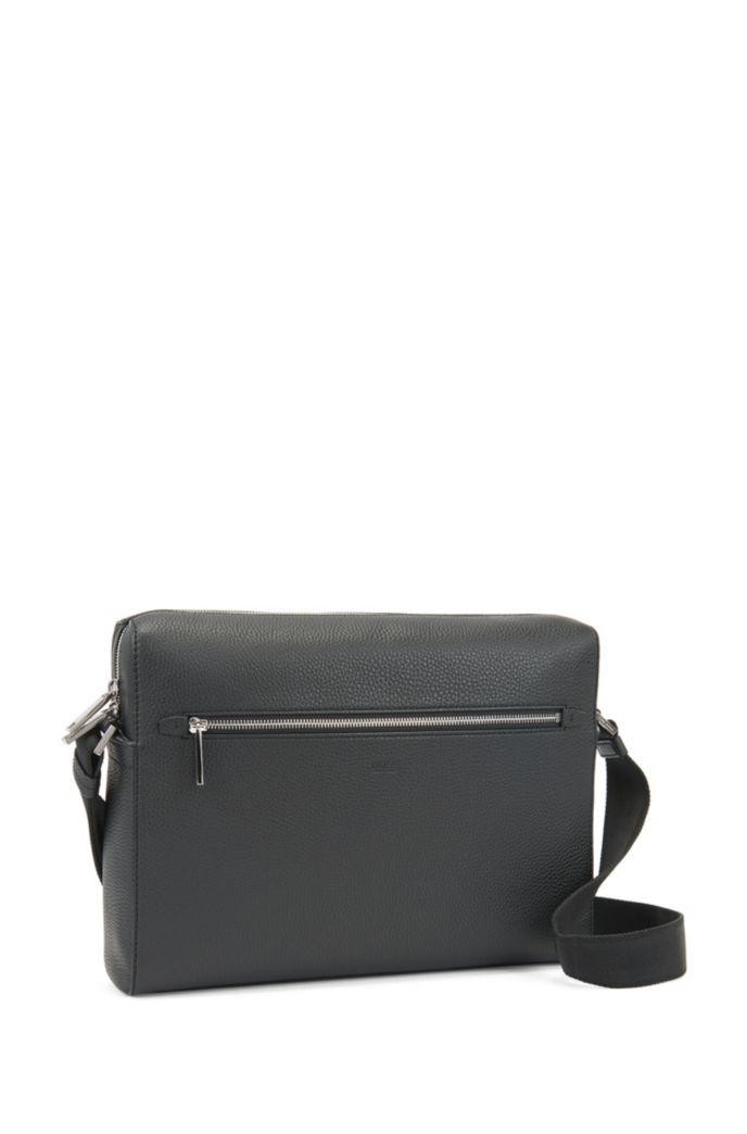 Messenger bag in grained Italian leather