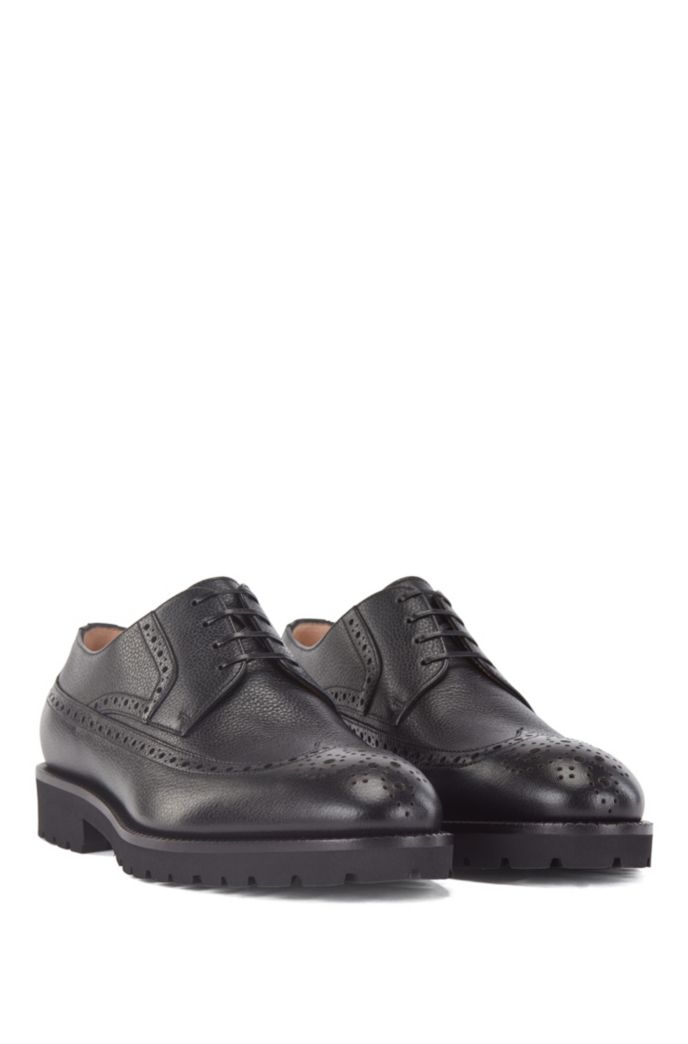 Italian-made Derby shoes in leather with brogue detailing