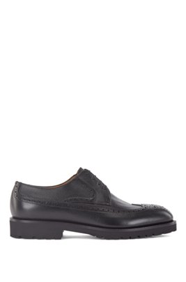 Italian-made Derby shoes in leather with brogue detailing, Black