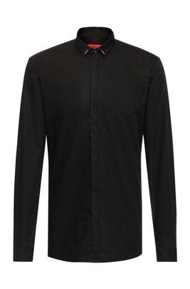 Chemise Extra Slim Fit facile à repasser avec col à ornements, Noir