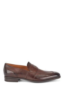 Italian-made loafers in grained leather with penny trim, Dark Brown