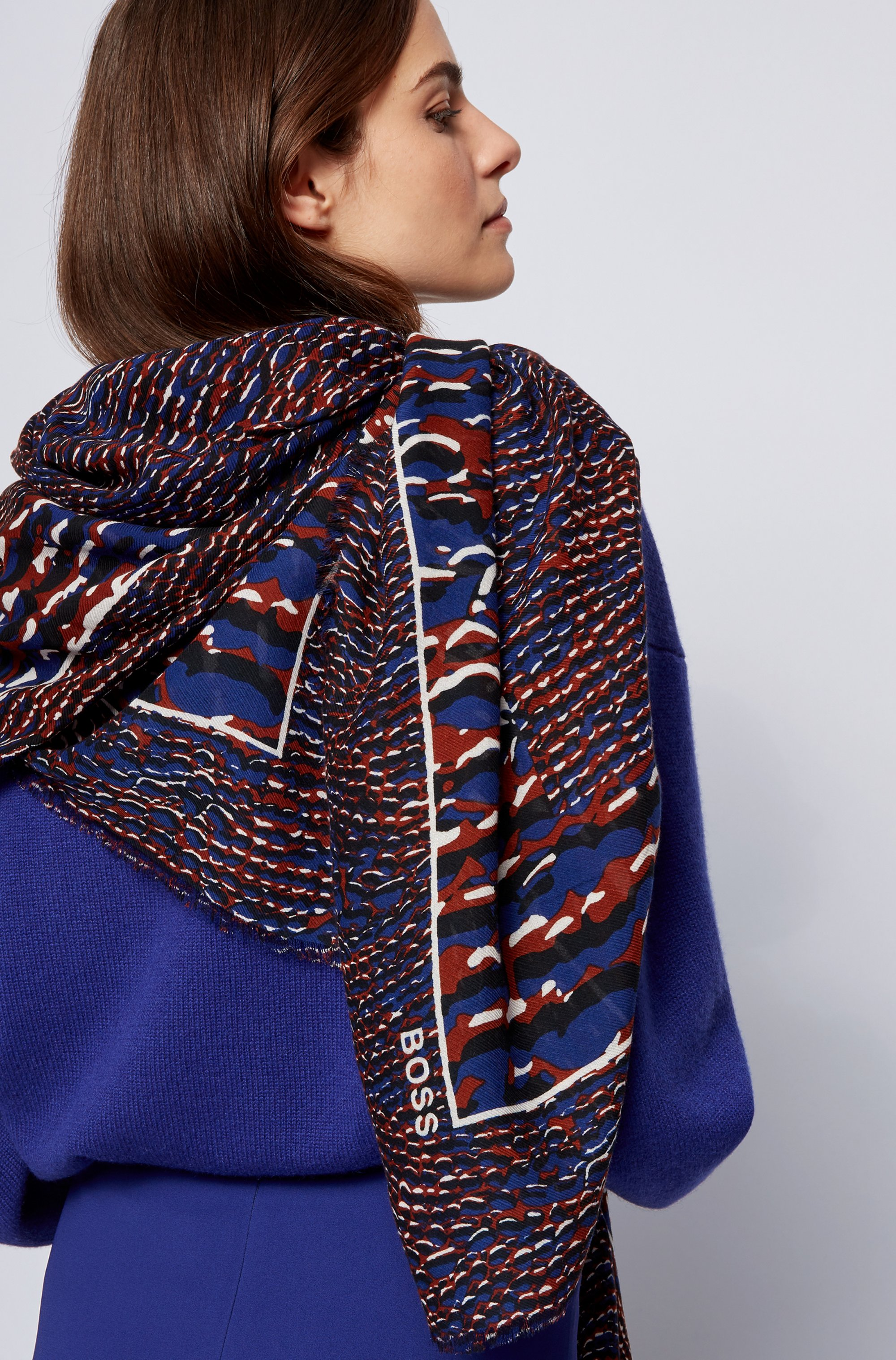 Seasonal-print scarf in cotton and modal