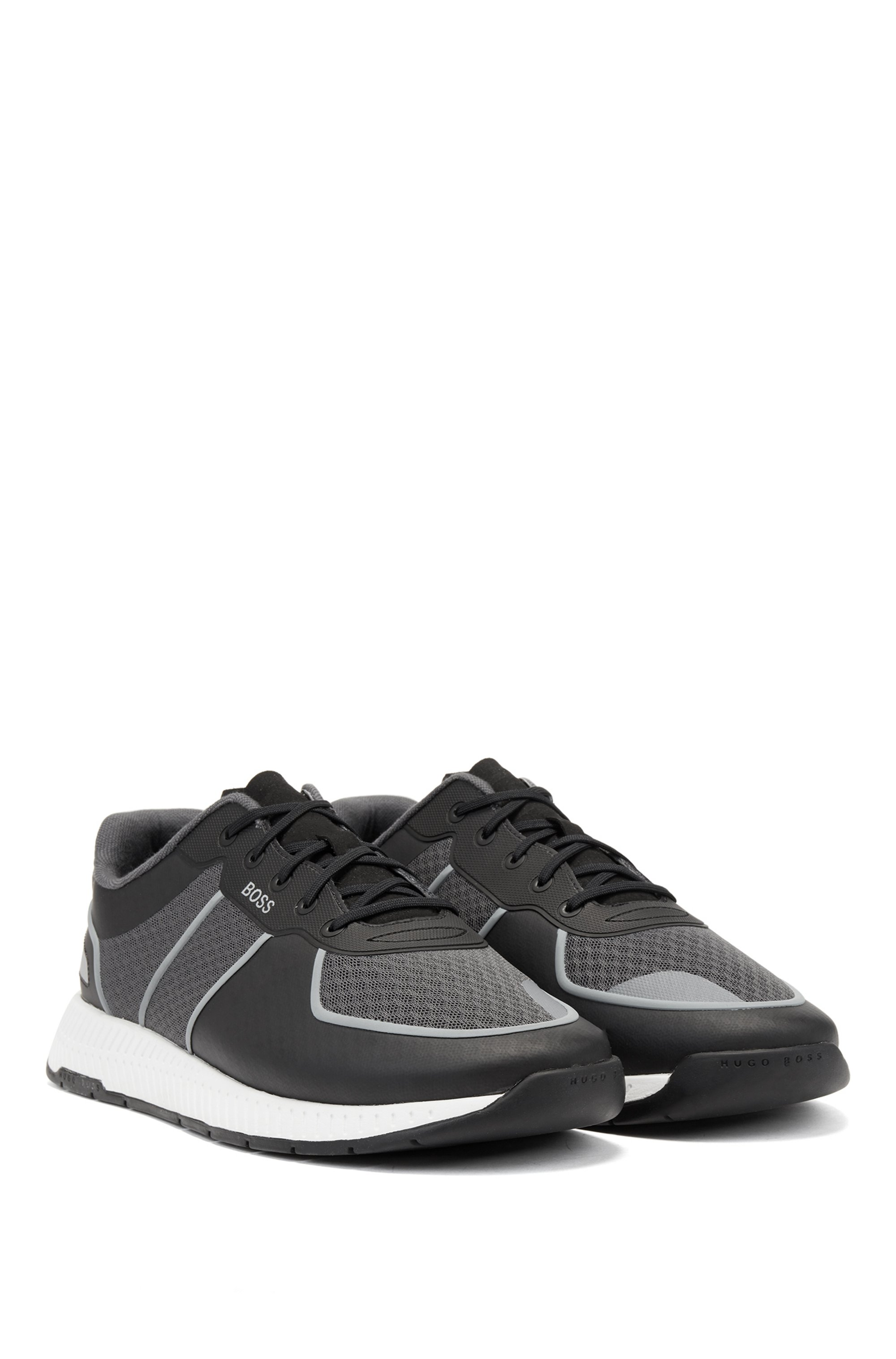Hybrid trainers with reflective accents and bamboo-cotton insole