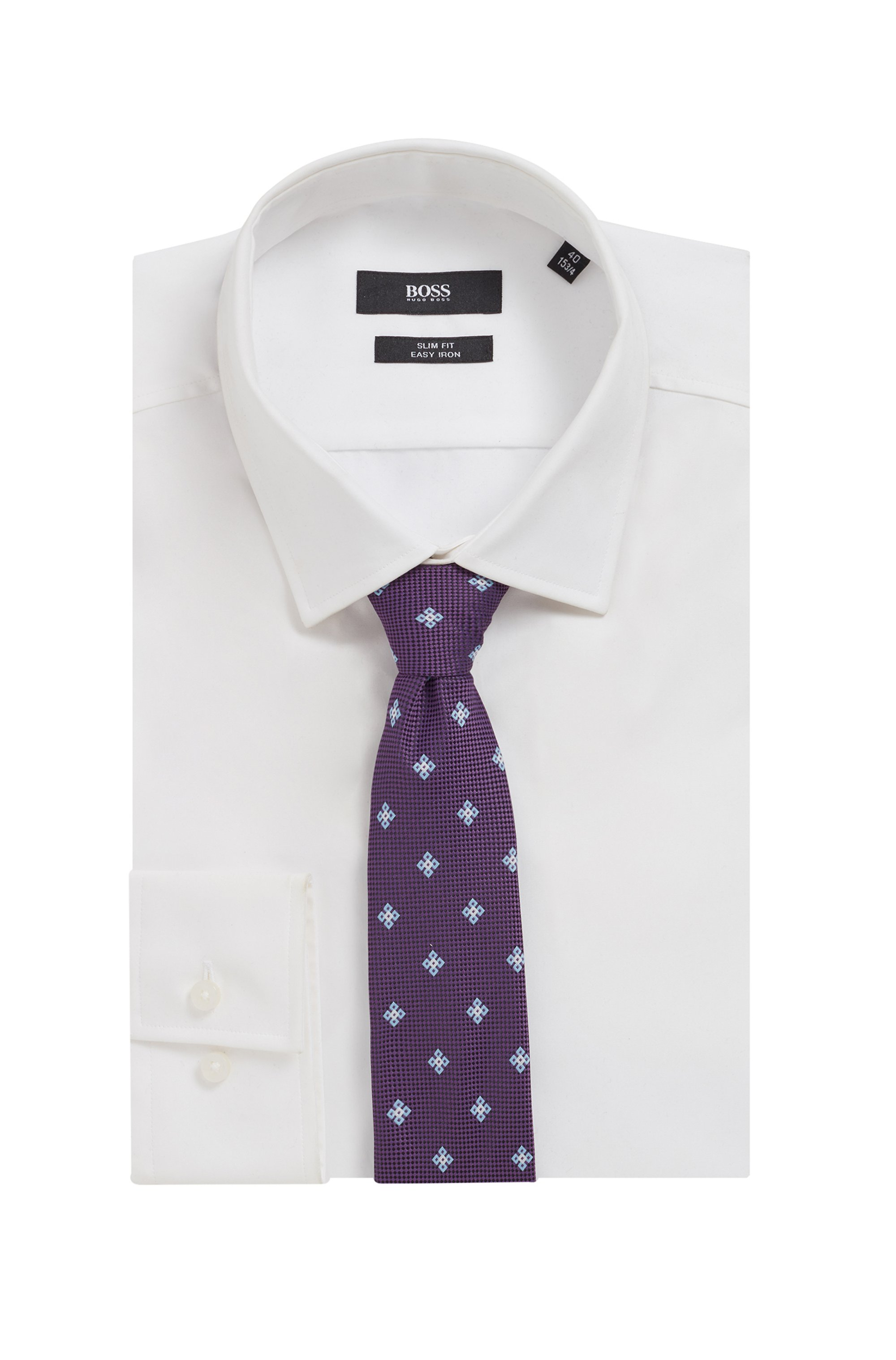 Patterned tie in jacquard fabric