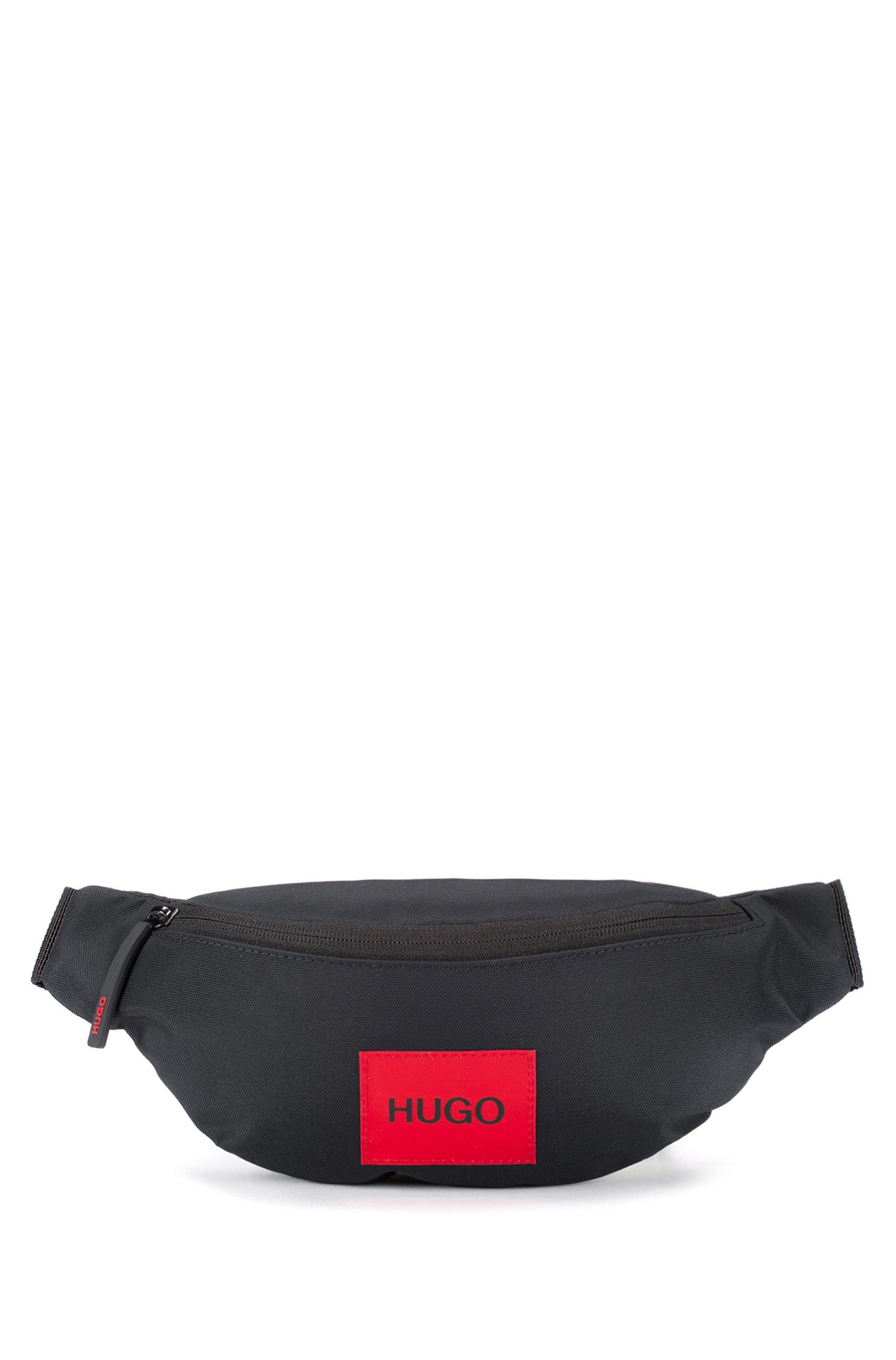 Sac ceinture en nylon recyclé avec étiquette logo rouge, Noir