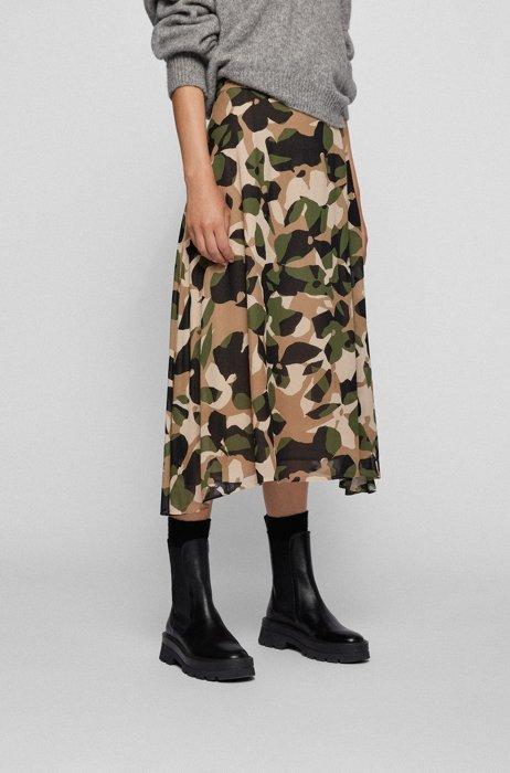 Asymmetric-hem skirt in graphic-print silk, Patterned