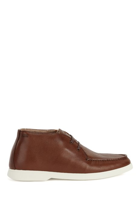 Portuguese-made desert boots in grained leather, Brown